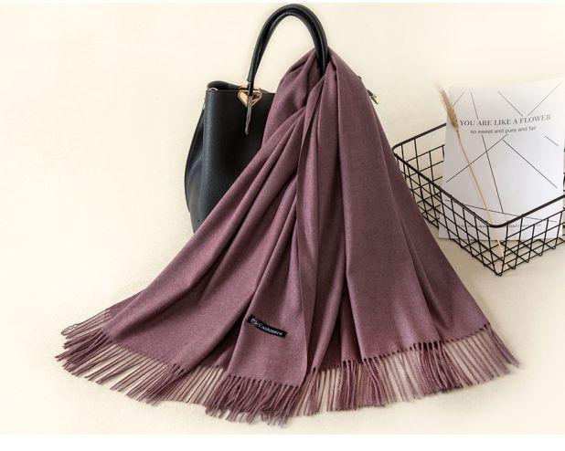 A warm aliexpress scarf